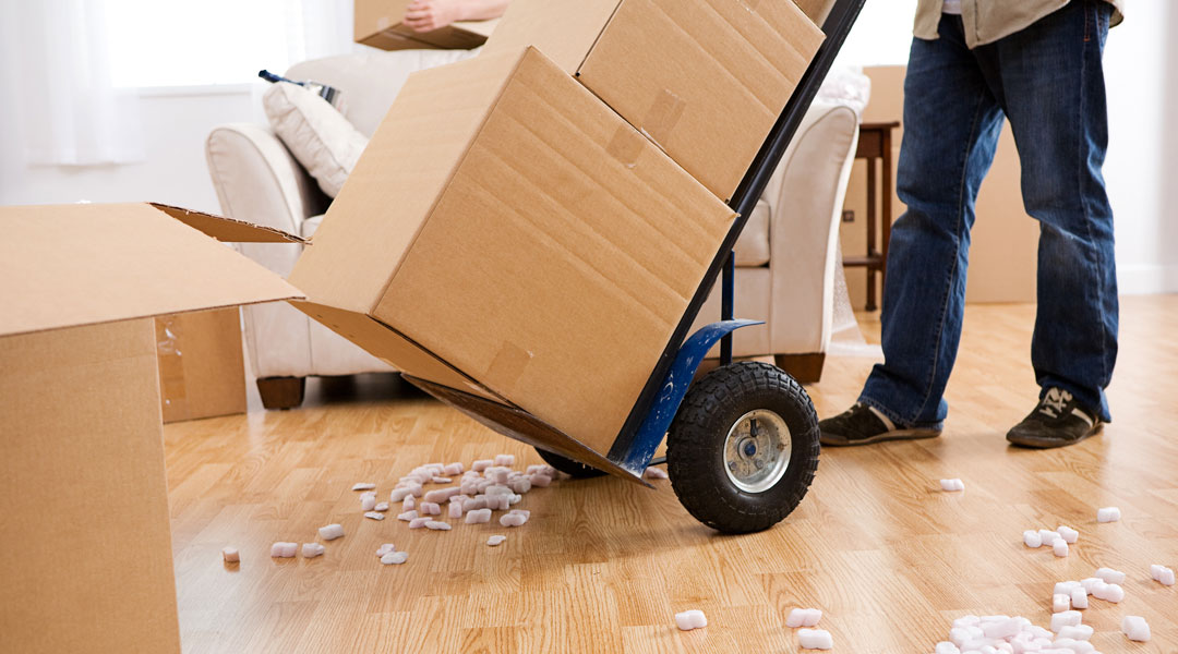 14 Packing Hacks from the Pros That Make Moving Less Awful