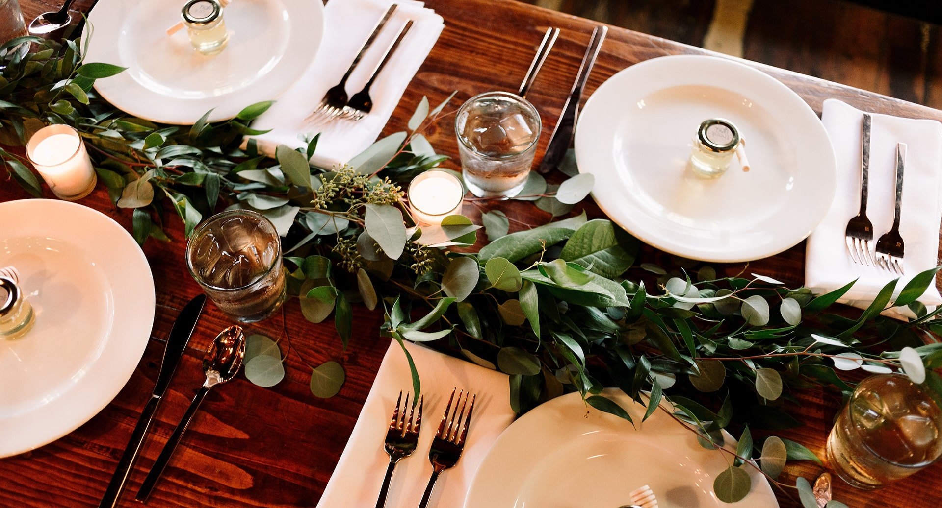 7 Last-Minute Holiday Hosting Tips
